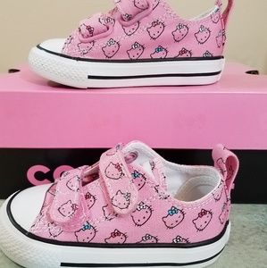 Converse Hello Kitty Shoes Low Top Pink